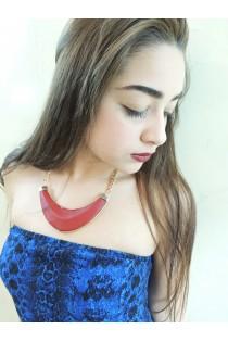 Collier tribal avec pendentif rigide rouge bordeaux